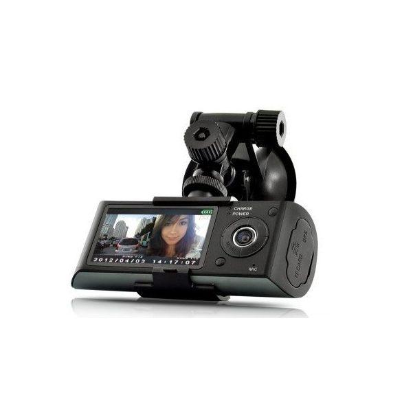X3000 GPS, G-szenzoros, két lencsés fedélzeti kamera